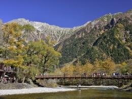 紅葉上高地10月下旬、河童橋 (4)