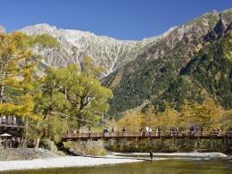 紅葉上高地10月下旬、河童橋 (2)