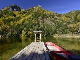 紅葉上高地10月下旬、明神池一之池 (2)