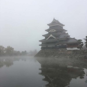 霧の松本城2017/11/28