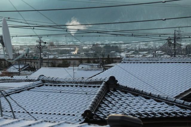 きのう雪が降りました。