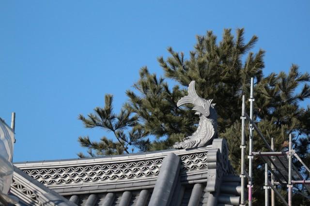 国宝松本城 新しい「鯱瓦 しゃちかわら」と古い「鯱瓦」